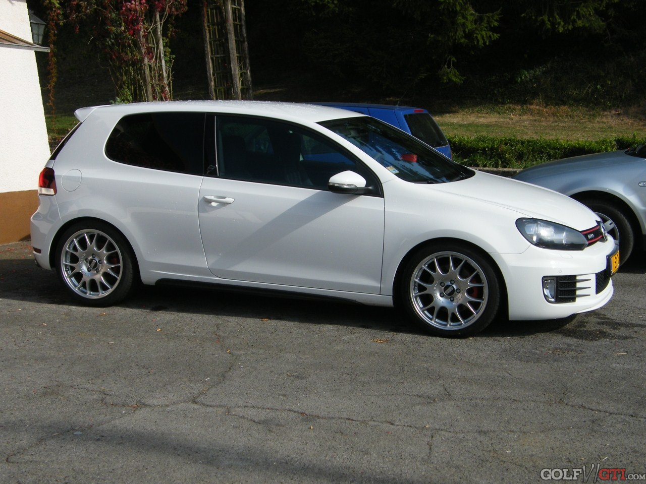 suche bilder von weissem gti mit 19 bbs ch golf vi gti community forum. Black Bedroom Furniture Sets. Home Design Ideas
