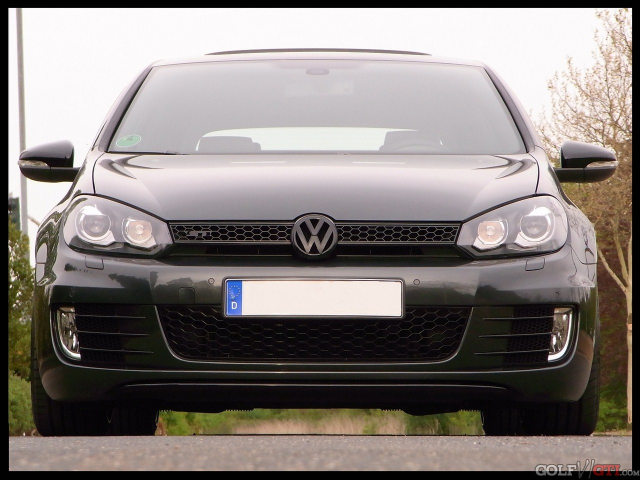 vw emblem front u heck in anderer farbe golf vi gti community forum. Black Bedroom Furniture Sets. Home Design Ideas